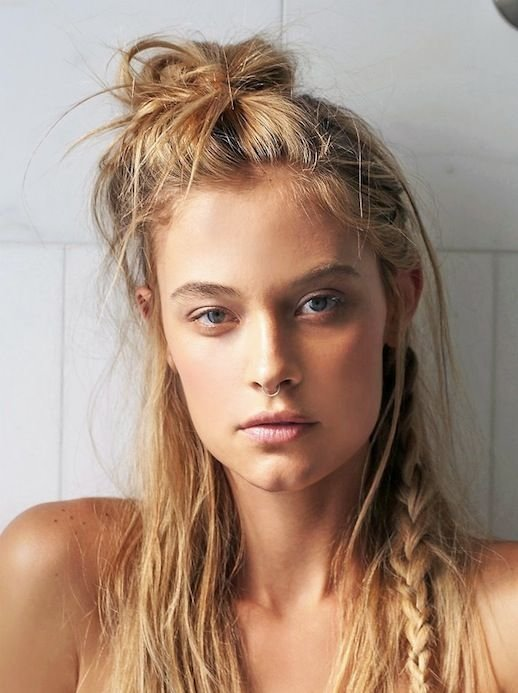 The Best Le Fashion 20 Inspiring Half Up Top Knot Hairstyles Pictures