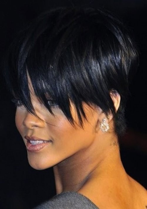 The Best 15 Heart Stopping Looks Featuring Rihanna's Short Hairstyles Pictures