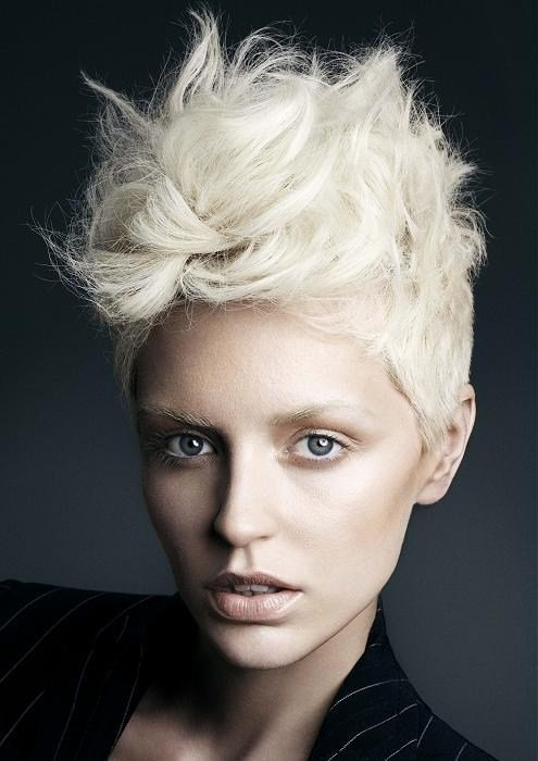 The Best Women S Short Mohawk Hair Styles Pictures