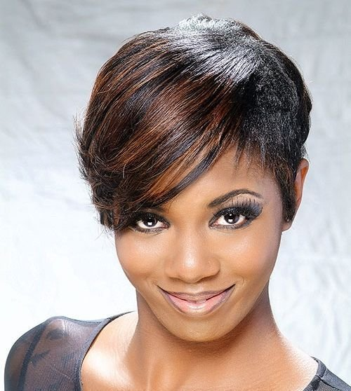 The Best 20 Gorgeous Looks With Pixie Cut For Round Face Pictures