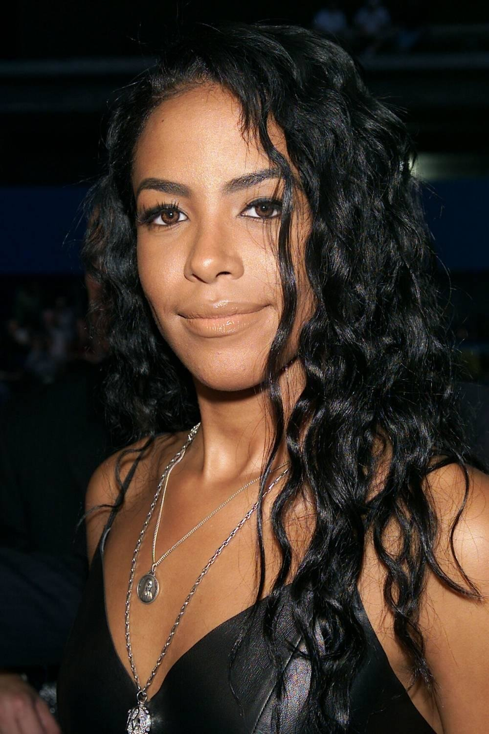 The Best Aaliyah Hairstyles Women Hairstyles Women Hair Styles Pictures
