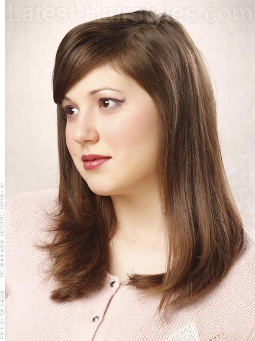 The Best 3 Flattering Medium Length Hairstyles For Round Faces Pictures