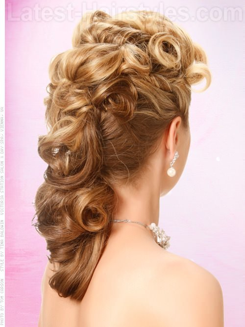 The Best Side Hairstyles For Prom Gorgeous Side Prom Hairstyles Pictures