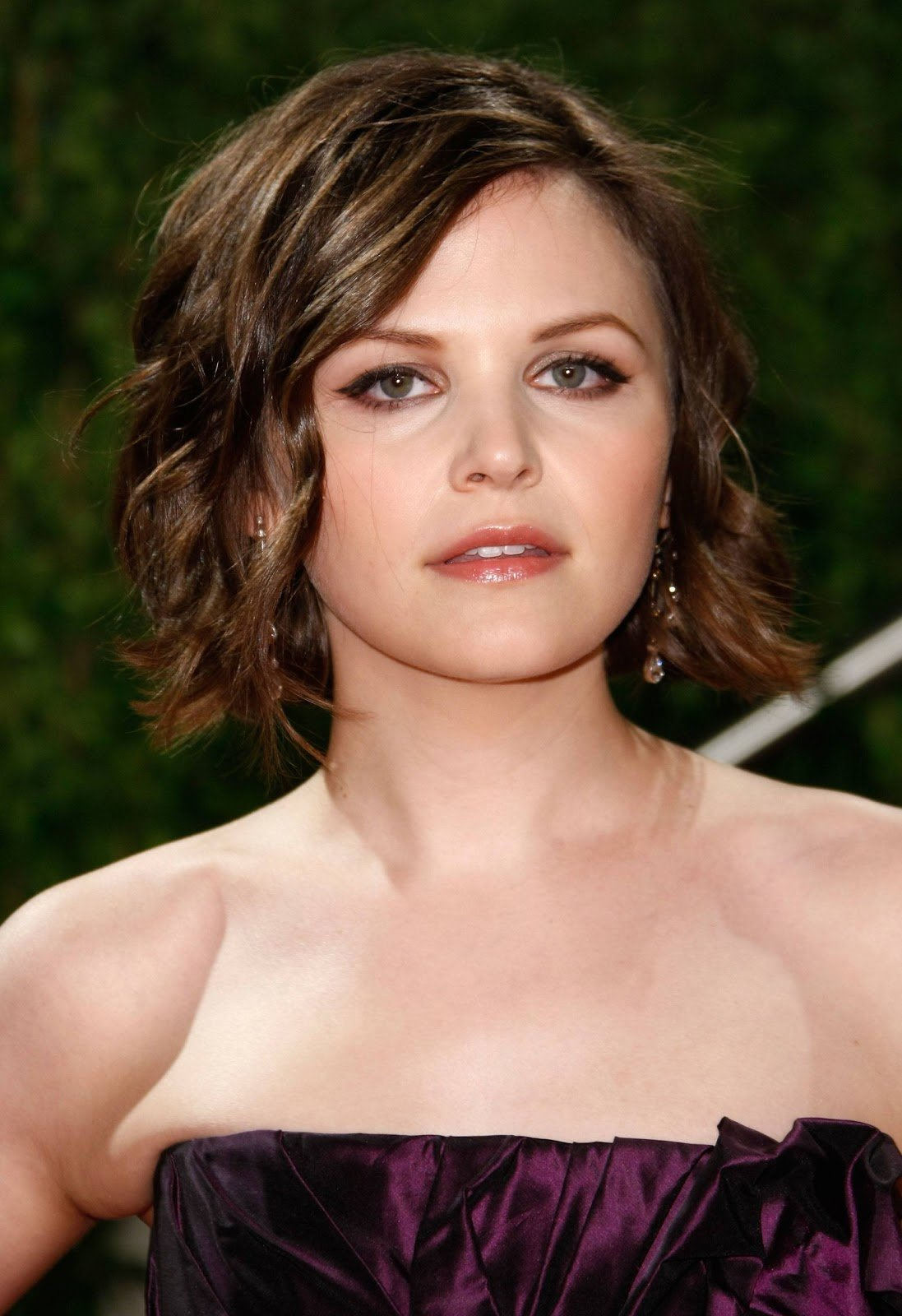 The Best Celebrity Short Hairstyles For Oval Face Curly Hairstyles Pictures