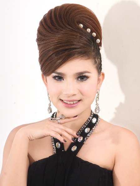 The Best Cambodian Hairstyle Cambodian Famous Hairstyle In Wedding Pictures