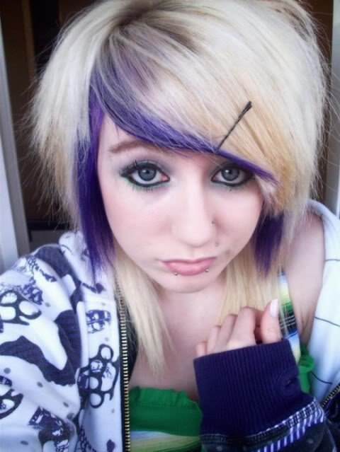 The Best Medium Scene Hairstyles With Emo Hair For Teenages Girls Pictures