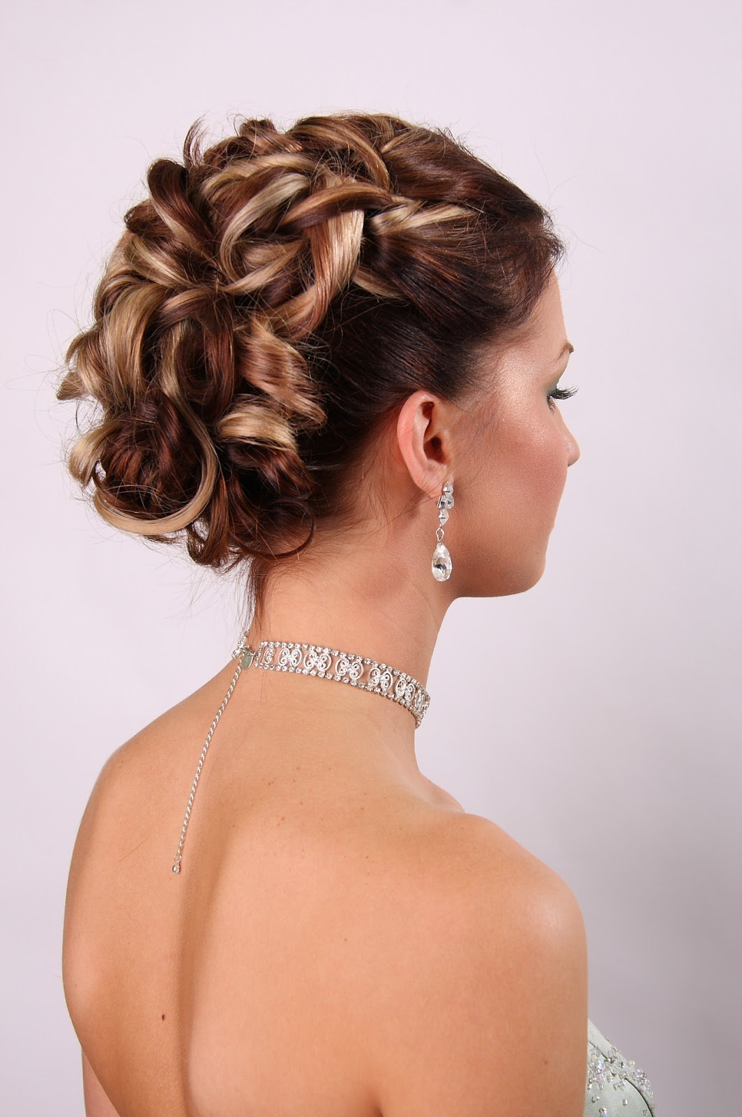The Best Wedding Hairstyles For Medium Length Hair Tyler Living Pictures