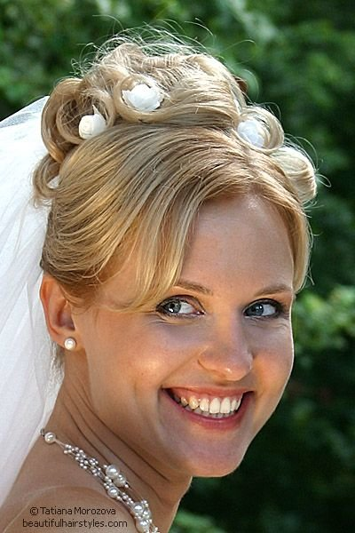 The Best Pictures Of Bridal Party Hairstyles See Feed Pictures