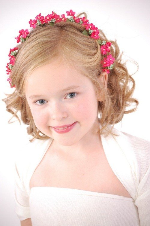The Best Hairstyles For Flower Girls With Tiara Pictures