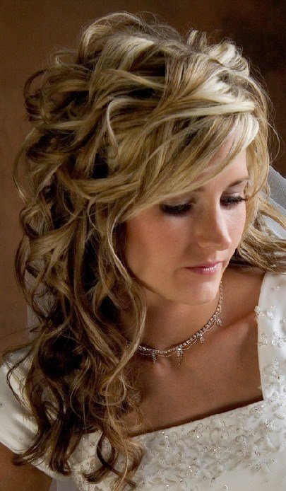 The Best 2012 Wedding Hairstyle Trends Weddings By Lilly Pictures