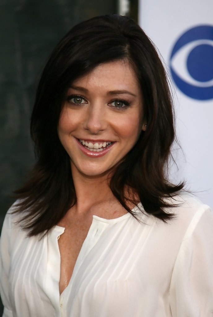 The Best Alyson Hannigan Medium Layered Cut Shoulder Length Pictures