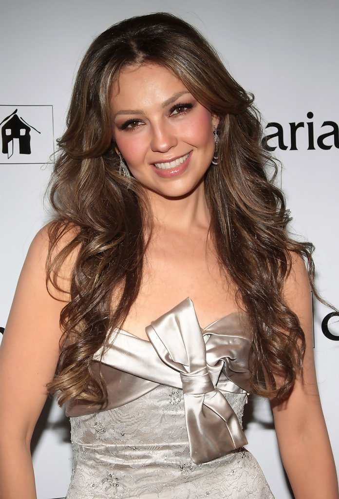 The Best Thalia Long Curls Thalia Looks Stylebistro Pictures
