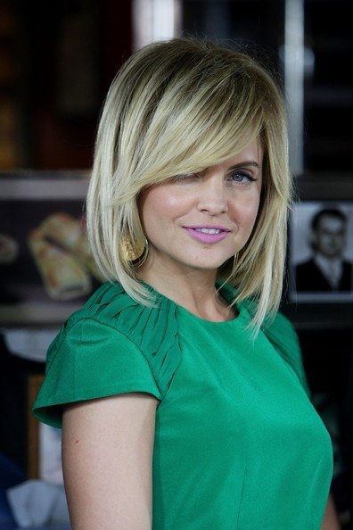 The Best Mena Suvari Medium Straight Cut With Bangs Mena Suvari Pictures