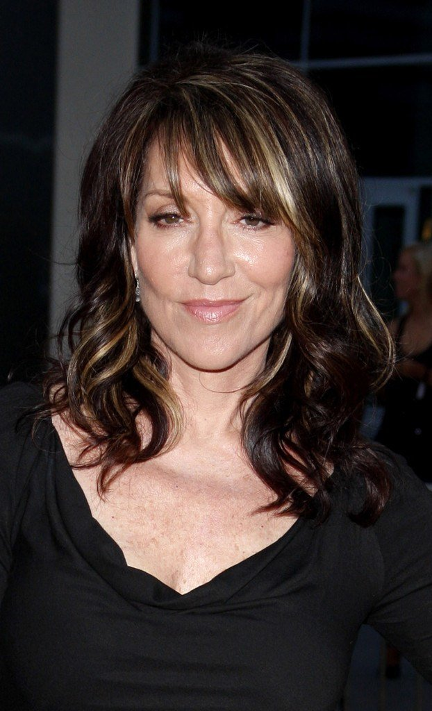The Best Katey Sagal Medium Curls With Bangs Katey Sagal Hair Pictures
