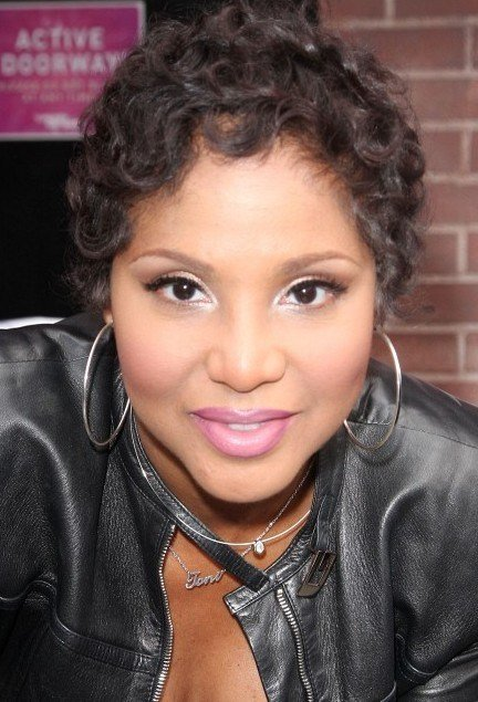 The Best Toni Braxton Short Curly Hairstyle Pictures