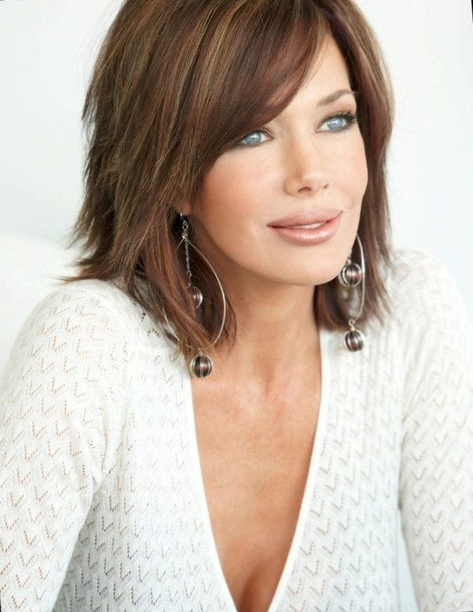 The Best 25 Most Superlative Medium Length Layered Hairstyles Pictures