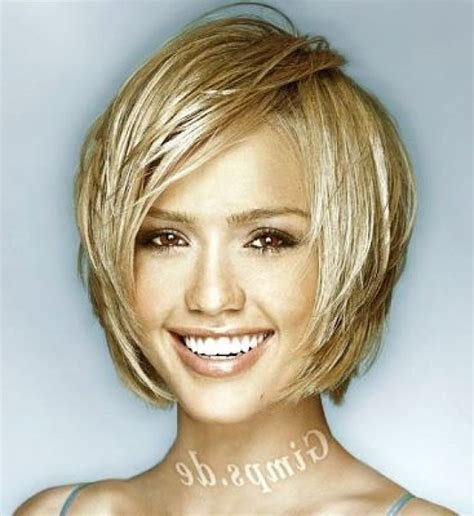 The Best Short Haircuts For Round Faces And Plus Size Bing Images Pictures