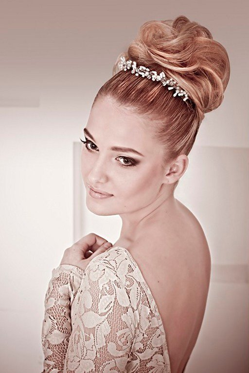 The Best The 30 Best Wedding Bun Hairstyles Everafterguide Pictures