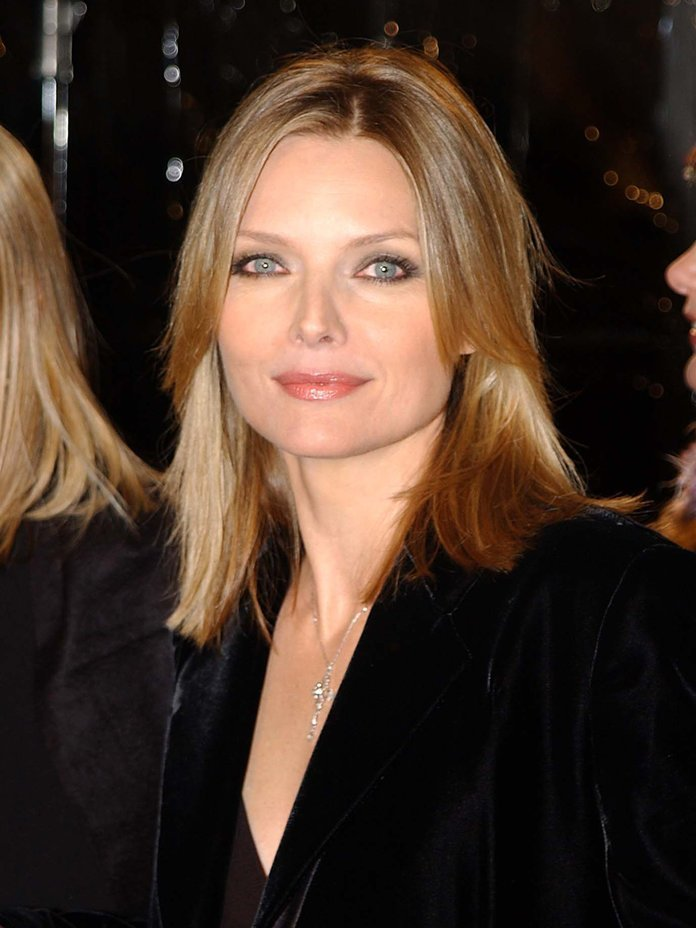 The Best Michelle Pfeiffer Hair Transformation Instyle Com Pictures