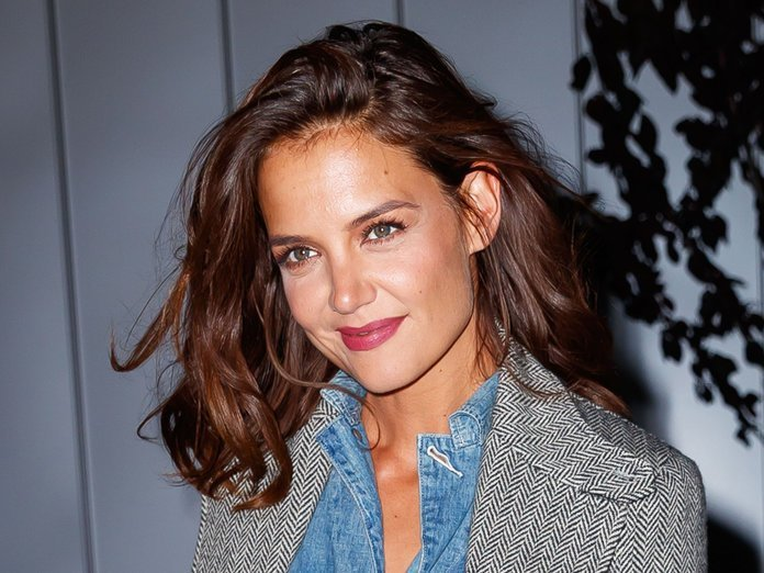 The Best Katie Holmes Chops Off Her Hair Into A Pixie Cut Again Pictures