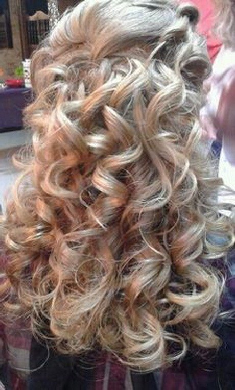 The Best Homecoming Curly Hairstyles Pictures