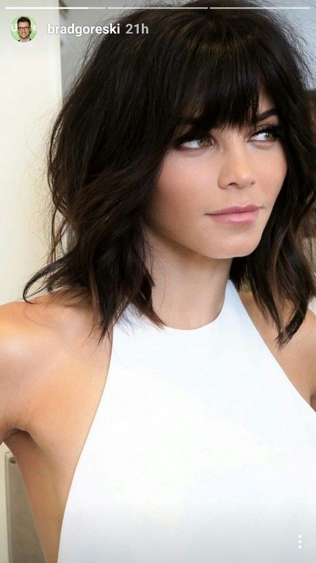 The Best Hairstyles No Bangs Medium Length Pictures