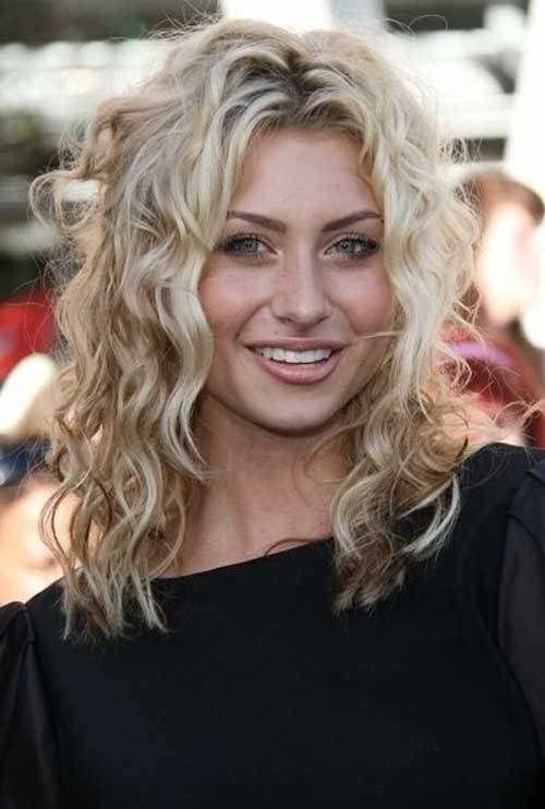 The Best 35 Medium Length Curly Hair Styles Hairstyles Haircuts 2016 2017 Pictures