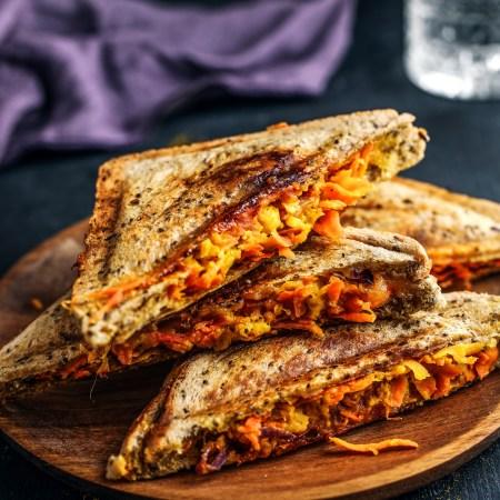 Kichererbsen-Karotten-Sandwich aus dem Sandwichmaker ST 710 Rommelsbacher