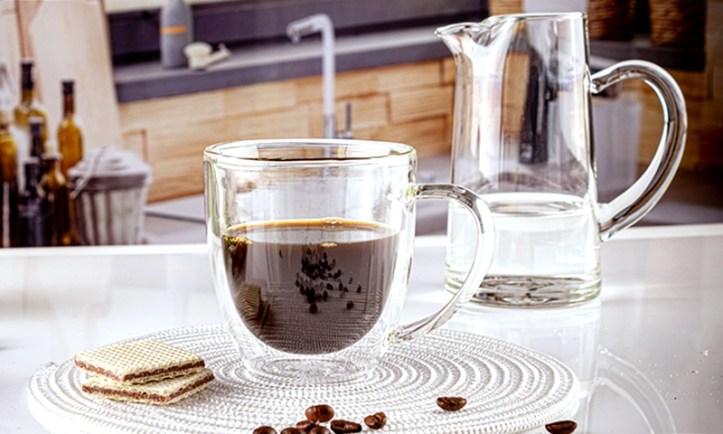 Americano - Espresso mit heißem Wasser verduennt. Unsere Top 10 Kaffeerezepte