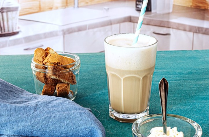 Latte Macchiato aus der Rommelsbacher Espressomaschine EKS 2010 - unsere top 10 Kaffeerezepte
