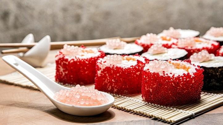 Sushi mit Geleeperlen / Fruchtkaviar - hergestellt mit Perlino Food Designer von Rommelsbacher