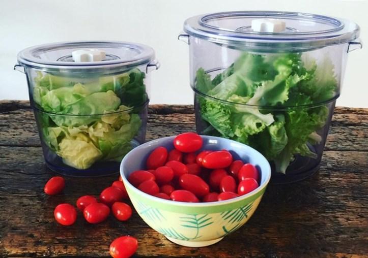 Salat im Vakuumbehälter - Rommelsbacher Vakuumierer für Mealprepping