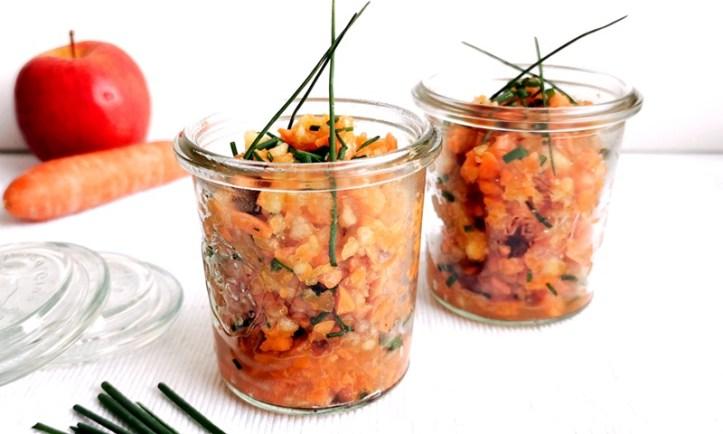 Apfel-Karotten Salat mit Schnittlauch - hergestellt im Multizerkleinerer von Rommelsbacher