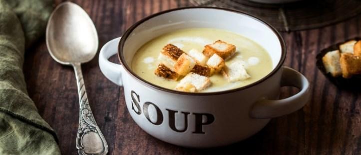 Kartoffelsuppe-mit-Croutons-7 Rezepte: Kreative Resteküche mit Kartoffeln - Rommelsbacher