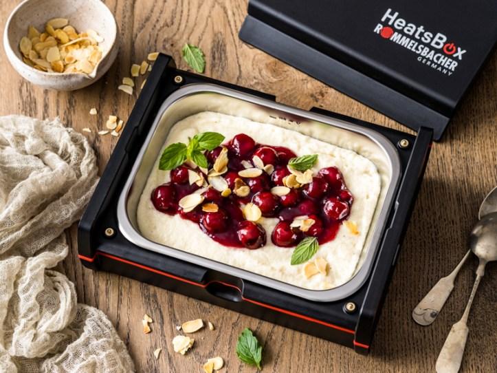 Griessbrei mit Kirschkompott zum Mitnehmen in der elektrischen Lunchbox Heatsbox HB 100 von Rommelsbacher