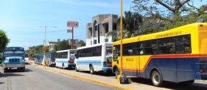 Urbaneros se manifiestan en Sevitra ante rumor de entrega de concesiones para taxis (5)