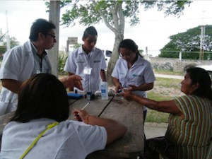 Brindan brigada Tannos y Chávez atención médica gratuita en Chimalapas (3)