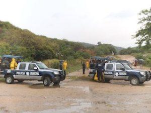 Bloquean habitantes de Boca del Río el basurero Municipal (3)