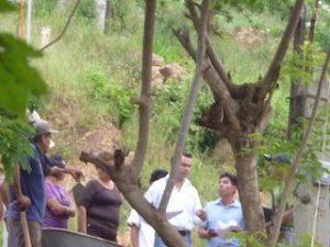 Pleito entre vecinos de la colonia San Martín por construcción de muro de contención (3)