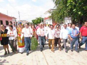 Protesta Eduardo Esteva como Secretario General de la CNOP en Juchitán.2