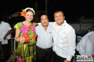 """ACOMPAÃ'ADA DEL DIPUTADO FEDERAL SAMUEL GURRION, LA ABANDERADA PRIISTA CONVIVIÃ"""" LOS ASISTENTES"""