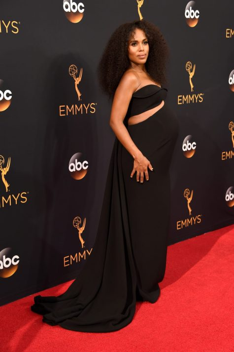 LOS ANGELES, CA - SEPTEMBER 18: Actress Kerry Washington attends the 68th Annual Primetime Emmy Awards at Microsoft Theater on September 18, 2016 in Los Angeles, California. (Photo by Kevin Mazur/WireImage)