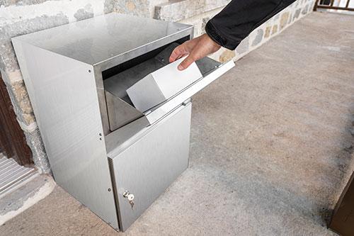Parcel delivery- dropbox open