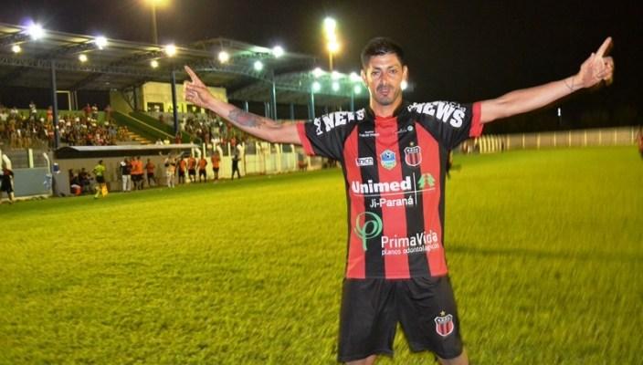 Artilheiro Valtinho e o melhor jogador do Rondoniense 2018 (Foto: Alexandre JabÃÂÂ¡)