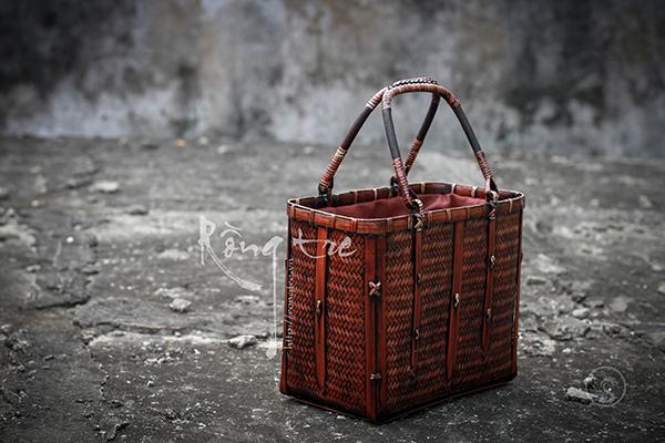 Túi xách thời trang mây tre hình hộp quai tết chân rết MT-TU-021