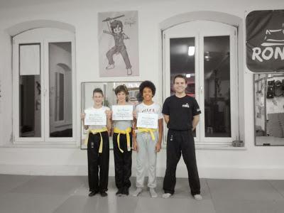 Eskrima 4 Kids Herzlichen Glueckwunsch zur bestandenen Pruefung! 18.12.2014 in RoninZ Kampfkunstschule