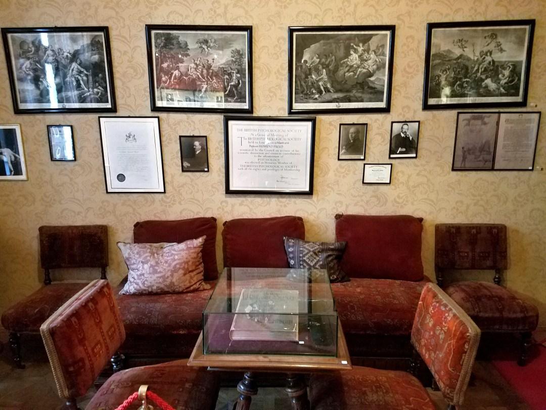 freud-waiting-room