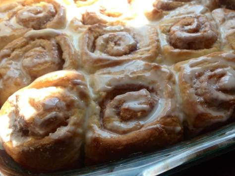 warm-yummy-cinnamon-rolls