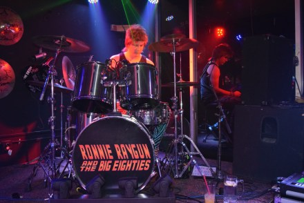 Ronnie Raygun | Eighties Cover Band