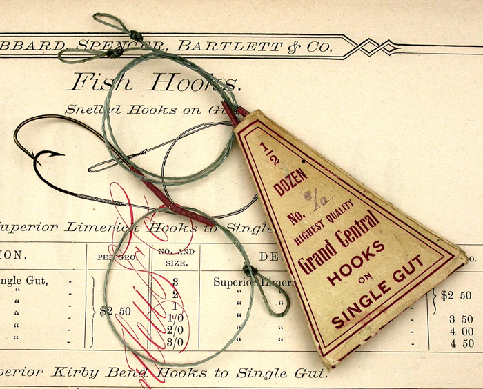 2a  Grand Central, three ply gut snells, bronzed. Interesting, the hooks appear to be correct for the packet but it says single gut while these are triple.